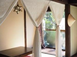日本庭園を臨む古民家カフェは彦根の足軽組屋敷群に位置しています