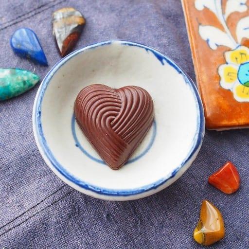 乳製品不使用のローチョコレート