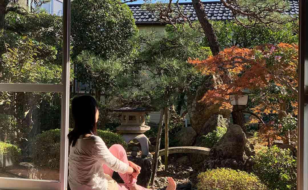 日本庭園のあるヴィーガンカフェ