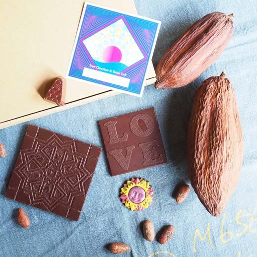 自然の甘みを使用した、ヘルシーな天然ヴィーガンチョコレート